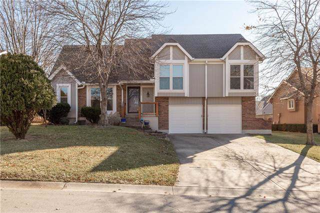 4065 SW Camelot Drive, Lee's Summit, MO 64082 (#2200171) :: Eric Craig Real Estate Team