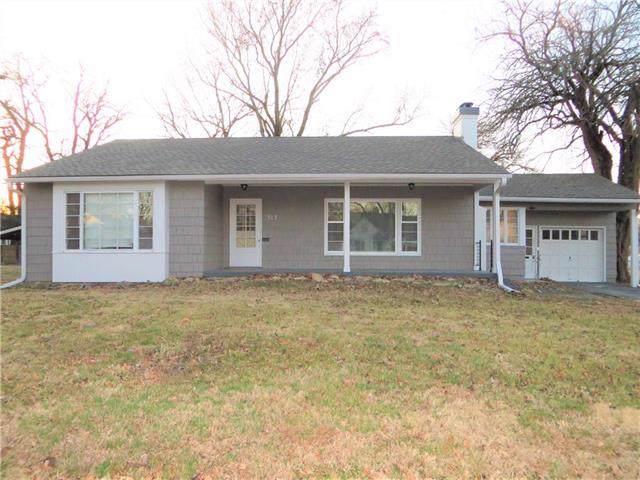512 N Delaware Street, Butler, MO 64730 (#2200180) :: Edie Waters Network