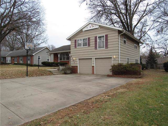 6101 W 86th Street, Overland Park, KS 66207 (#2200269) :: The Shannon Lyon Group - ReeceNichols