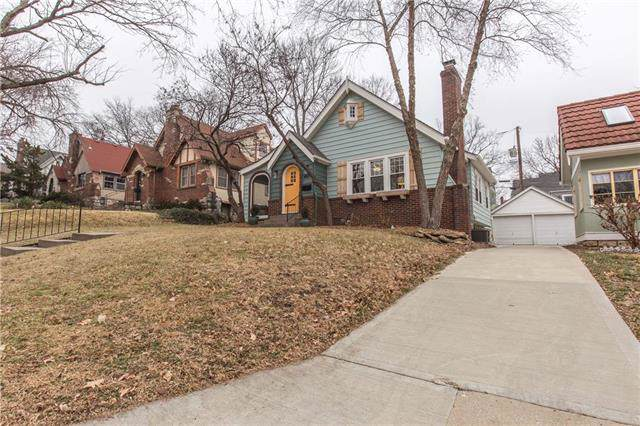 4823 Liberty Street, Kansas City, MO 64112 (#2200298) :: Clemons Home Team/ReMax Innovations