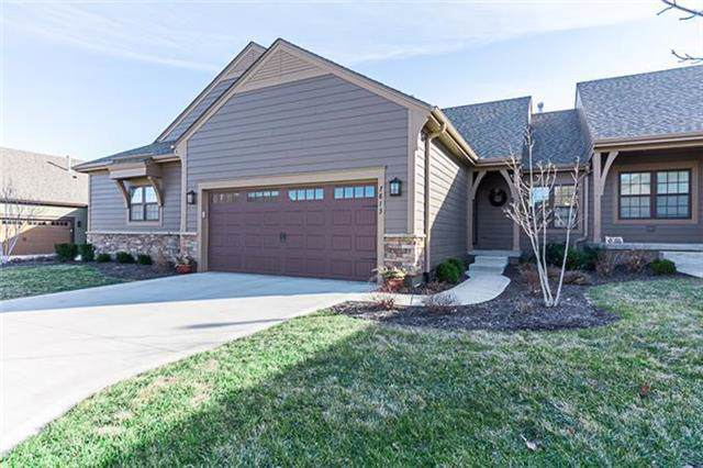 7813 W 158th Place, Overland Park, KS 66223 (#2200305) :: Clemons Home Team/ReMax Innovations