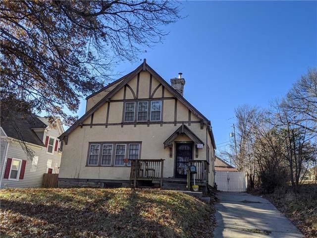 1726 Hawthorne Court, Independence, MO 64052 (#2200330) :: Eric Craig Real Estate Team