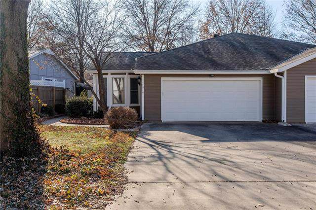 1519 E 123rd Street, Olathe, KS 66061 (#2200392) :: The Shannon Lyon Group - ReeceNichols