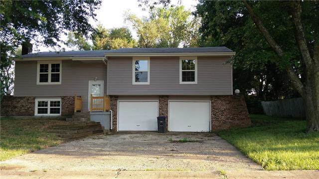1502 Lawndale Avenue, Pleasant Hill, MO 64080 (#2200401) :: Eric Craig Real Estate Team