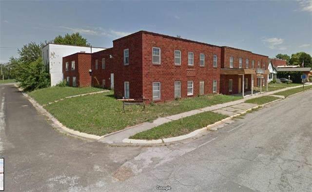 110 W Main Street, Smithville, MO 64089 (#2200403) :: Eric Craig Real Estate Team