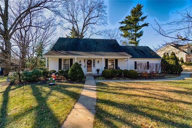 8000 Roe Avenue, Prairie Village, KS 66208 (#2200405) :: House of Couse Group