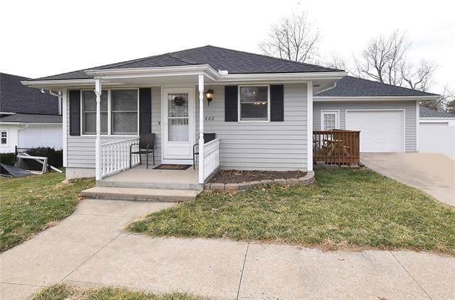 402 Maple Avenue, Smithville, MO 64089 (#2200413) :: Eric Craig Real Estate Team