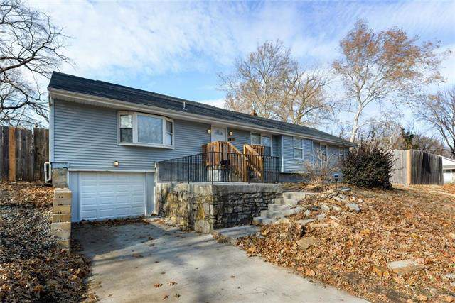 1417 E 72nd Street, Kansas City, MO 64131 (#2200425) :: Dani Beyer Real Estate