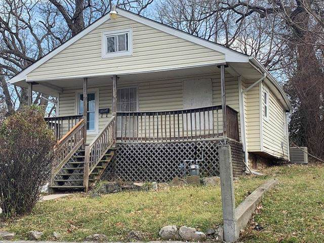 2933 Spruce Avenue, Kansas City, MO 64128 (#2200453) :: Eric Craig Real Estate Team