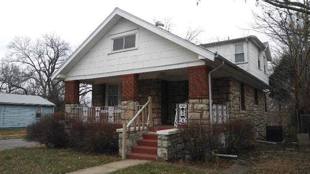 2921 E 52ND Street, Kansas City, MO 64130 (#2200459) :: Eric Craig Real Estate Team