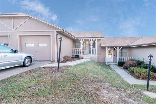 1812 Buckingham Street, St Joseph, MO 64506 (#2200471) :: Eric Craig Real Estate Team
