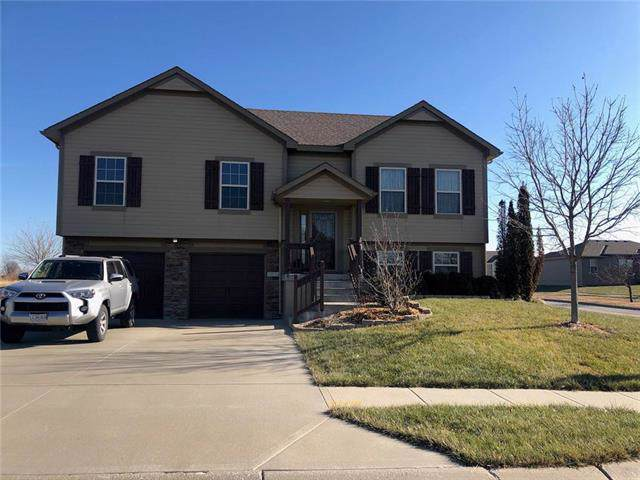 8834 SW 10th Street, Blue Springs, MO 64064 (#2200481) :: The Shannon Lyon Group - ReeceNichols