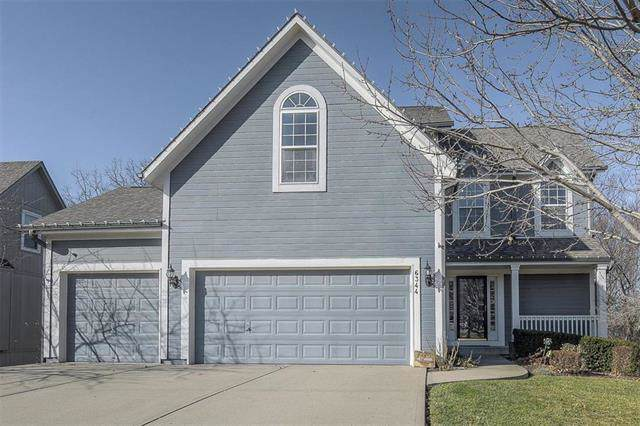 6344 Lakecrest Drive, Shawnee, KS 66218 (#2200483) :: Team Real Estate