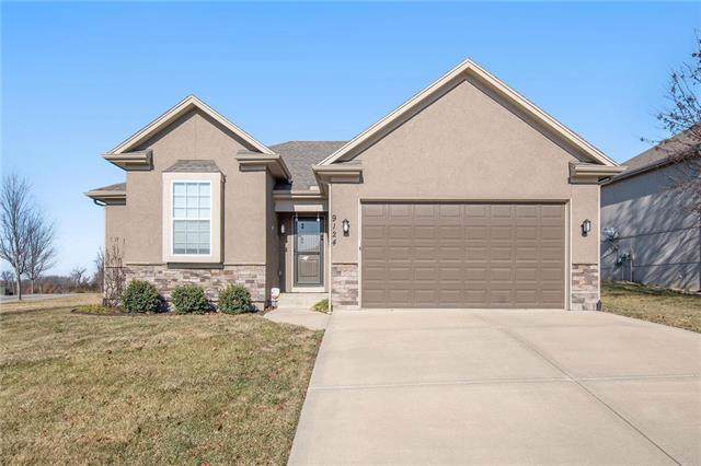 9124 Richmond Court, Kansas City, KS 66112 (#2200487) :: The Shannon Lyon Group - ReeceNichols