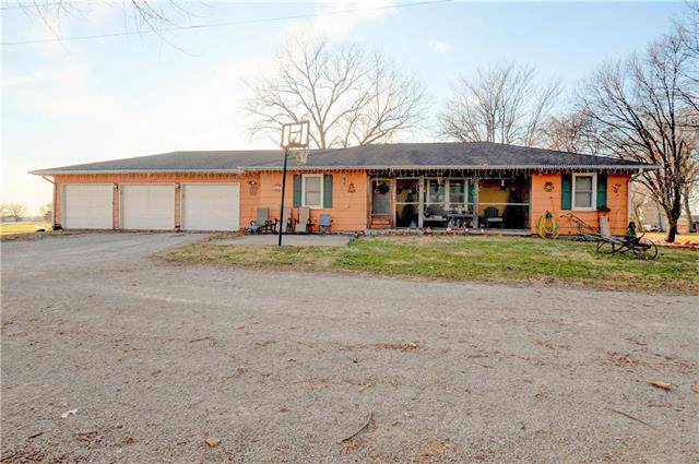 420 Pine Street, Hardin, MO 64035 (#2200492) :: House of Couse Group