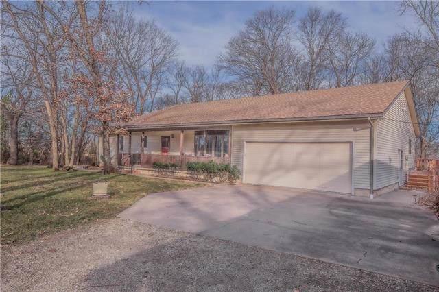 37015 Crescent Hill Road, Osawatomie, KS 66064 (#2200507) :: Eric Craig Real Estate Team