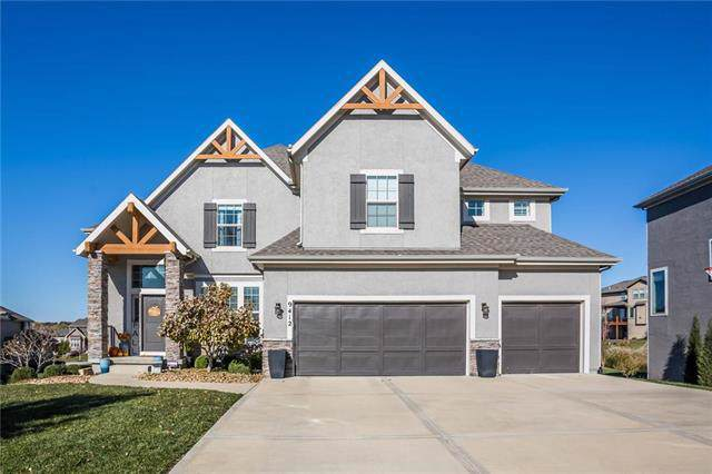 9412 W 164th Place, Overland Park, KS 66085 (#2200515) :: Team Real Estate