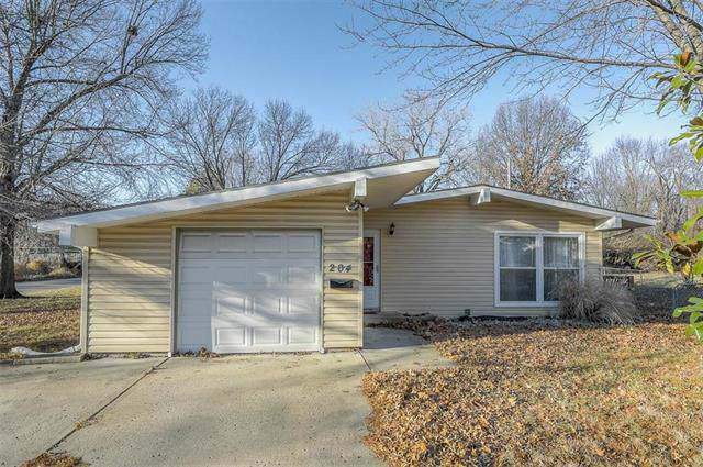 204 Brookview Drive, Belton, MO 64012 (#2200527) :: Eric Craig Real Estate Team
