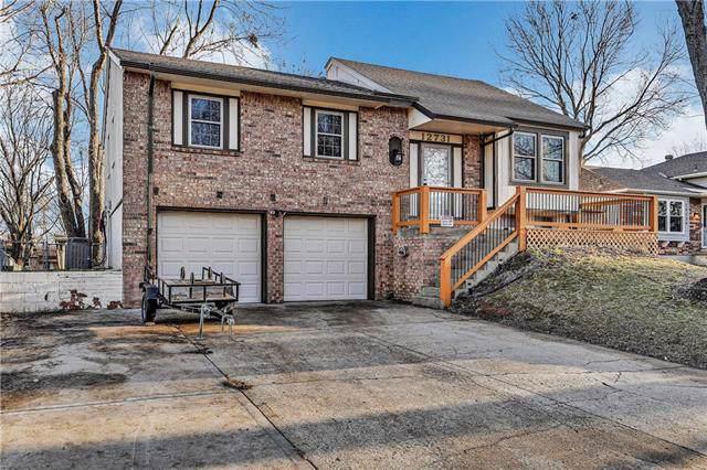 12731 S Sycamore Street, Olathe, KS 66062 (#2200542) :: Eric Craig Real Estate Team