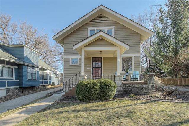 5147 Baltimore Avenue, Kansas City, MO 64112 (#2200559) :: Eric Craig Real Estate Team