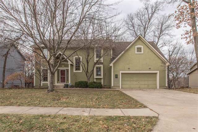 916 NE Emily Lane, Lee's Summit, MO 64086 (#2200633) :: Team Real Estate
