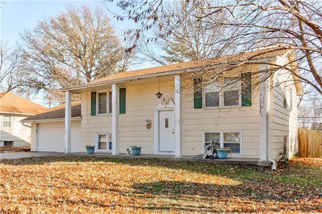 611 NE Corder Street, Lee's Summit, MO 64063 (#2200689) :: Team Real Estate