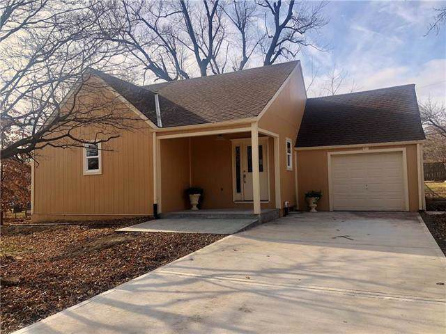 4440 S Cottage Avenue, Independence, MO 64055 (#2200782) :: Ask Cathy Marketing Group, LLC