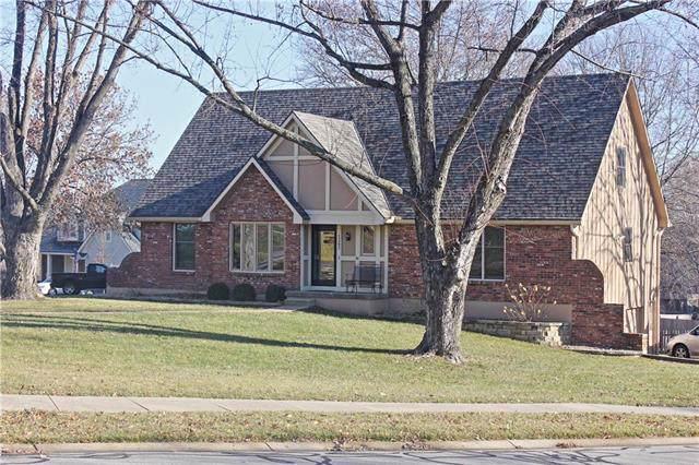 1303 Bell Circle, Liberty, MO 64068 (#2200816) :: Team Real Estate