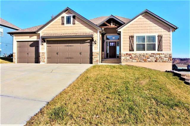 200 E Woodland Avenue, Lone Jack, MO 64070 (#2200826) :: Team Real Estate