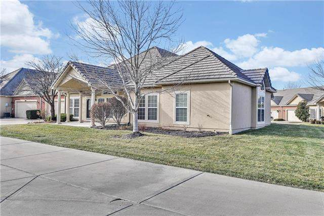 14581 Birch Street, Leawood, KS 66224 (#2200844) :: Eric Craig Real Estate Team