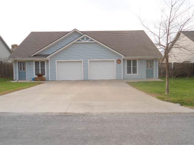 208 N Clark Avenue, Adrian, MO 64720 (#2200905) :: Dani Beyer Real Estate