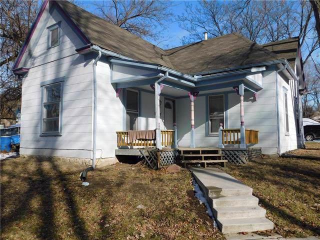 305 Saratoga Avenue, Excelsior Springs, MO 64024 (#2200977) :: Eric Craig Real Estate Team