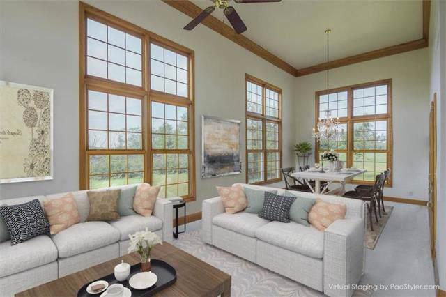 16374 Lake Point Drive, Bonner Springs, KS 66012 (#2201018) :: Team Real Estate