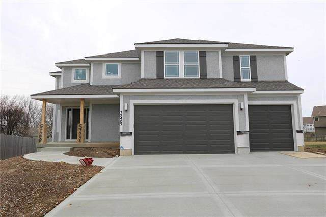12302 Burr Oak Circle, Peculiar, MO 64078 (#2201172) :: Team Real Estate