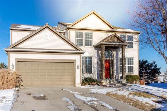 8730 Sunray Drive, Lenexa, KS 66227 (#2201173) :: Eric Craig Real Estate Team