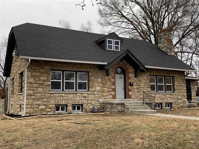 7426 Wayne Avenue, Kansas City, MO 64131 (#2201856) :: Eric Craig Real Estate Team