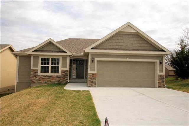 8705 NW 74th Street, Kansas City, MO 64152 (#2201965) :: Eric Craig Real Estate Team