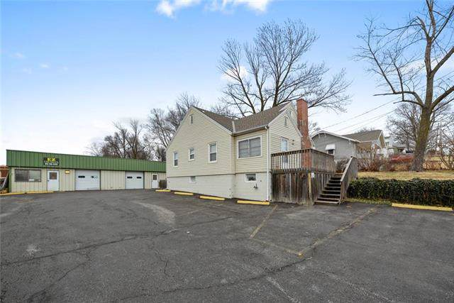 404 NE 41 Street, Kansas City, MO 64116 (#2201970) :: Team Real Estate