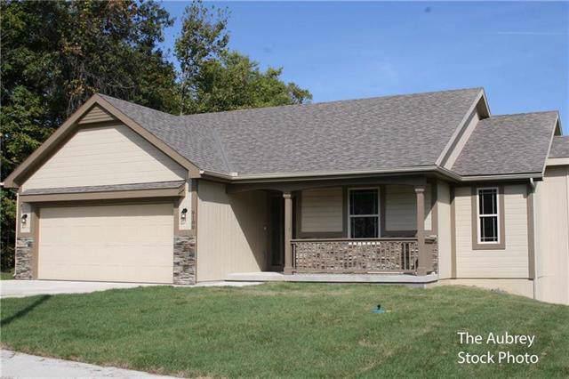 8610 NW 74th Street, Kansas City, MO 64152 (#2202069) :: Eric Craig Real Estate Team