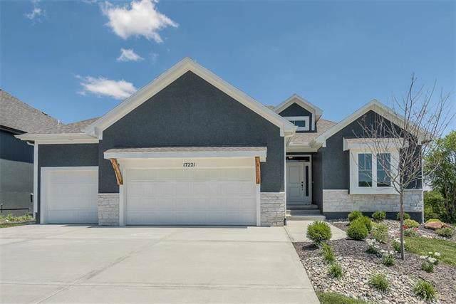 8882 Mccoy Street, Lenexa, KS 66227 (#2202347) :: Team Real Estate