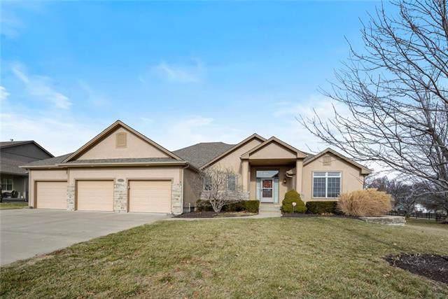 516 SE Hackamore Drive, Lee's Summit, MO 64082 (#2202351) :: Eric Craig Real Estate Team