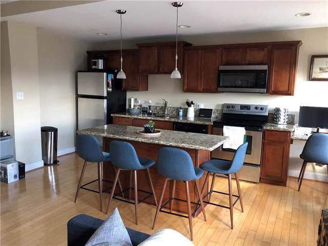 323 Brush Creek Boulevard 4A, Kansas City, MO 64112 (#2202388) :: Eric Craig Real Estate Team