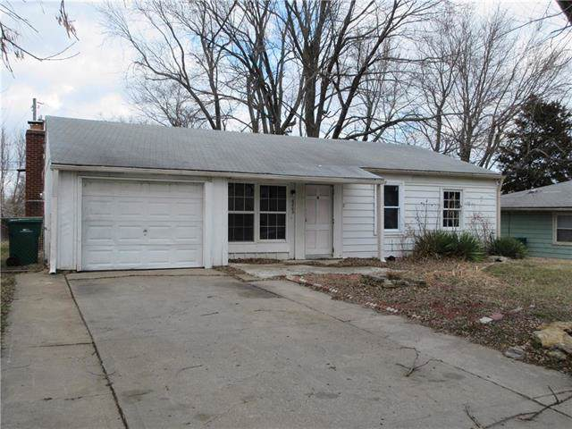 6002 E 152nd Street, Grandview, MO 64030 (#2202711) :: Eric Craig Real Estate Team