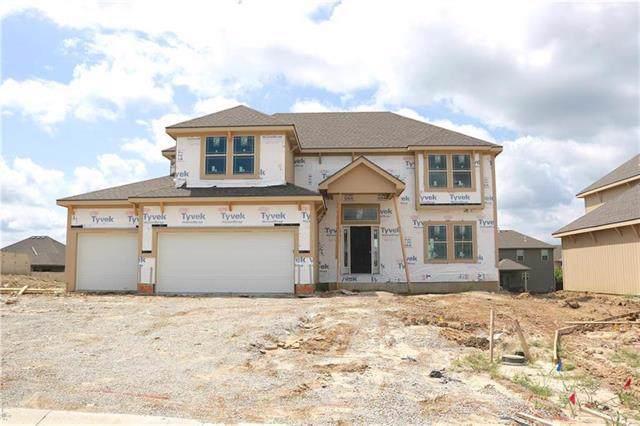10842 N Crystal Avenue, Kansas City, MO 64156 (#2202765) :: Team Real Estate
