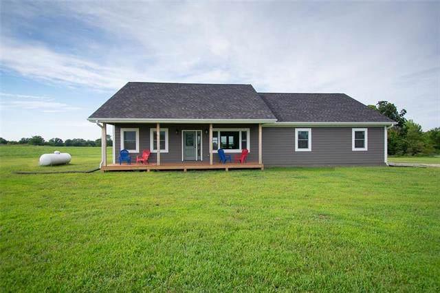 822 NE County Road 15094 Road, Adrian, MO 64720 (#2202770) :: Dani Beyer Real Estate