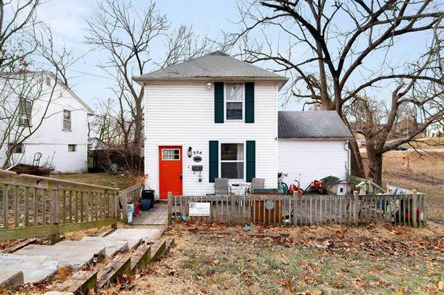 228 Pine Avenue, Bonner Springs, KS 66012 (#2202782) :: Team Real Estate