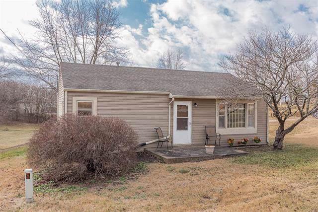 15759 Loring Road, Bonner Springs, KS 66012 (#2202800) :: Team Real Estate
