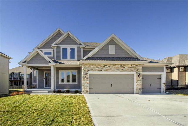 10812 N Crystal Avenue, Kansas City, MO 64156 (#2202846) :: Audra Heller and Associates