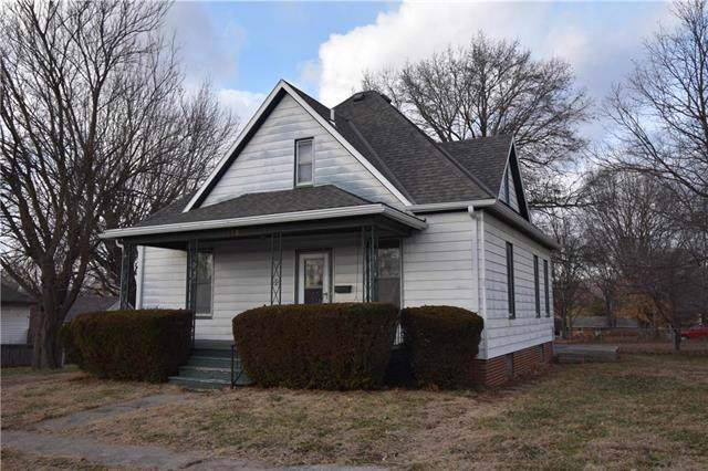 112 E 13th Street, Higginsville, MO 64037 (#2203086) :: Edie Waters Network