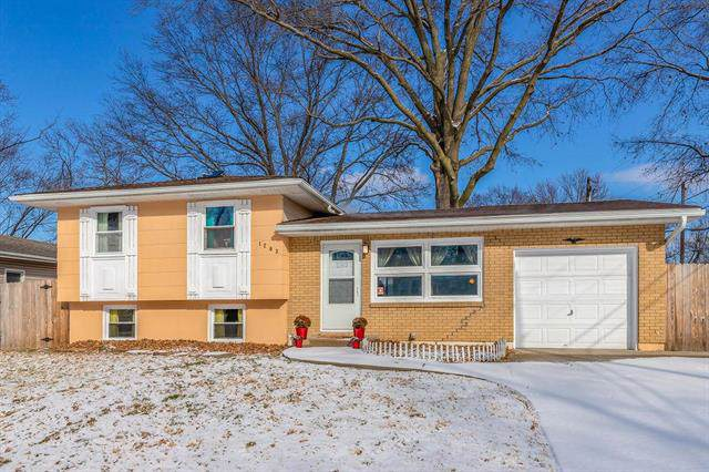 1203 S Skyline Drive, Liberty, MO 64068 (#2203290) :: Team Real Estate